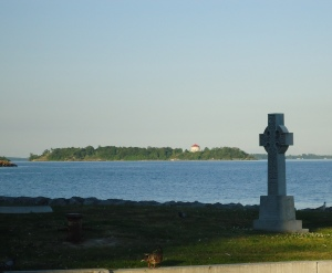 Cross, Lake Ontario